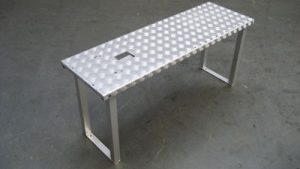 Aluminum step-on-platform for horticulture